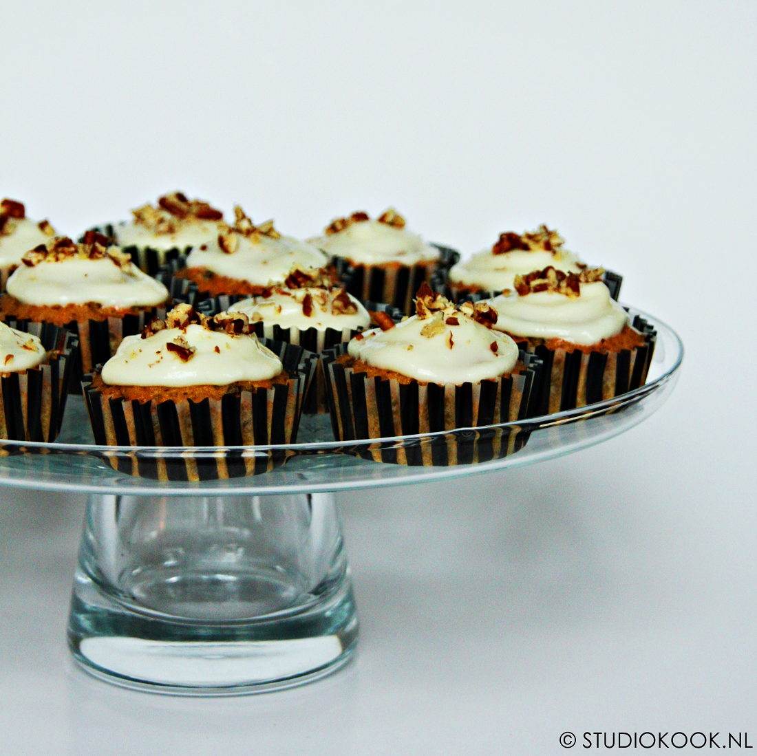 Carrot cupcakes met citroen-roomkaastopping