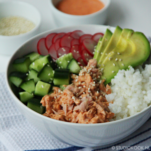 poke bowl met pittige tonijn