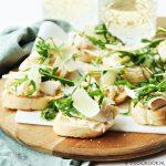 Bruschetta met truffel, kalkoen en Parmezaanse kaas (video)