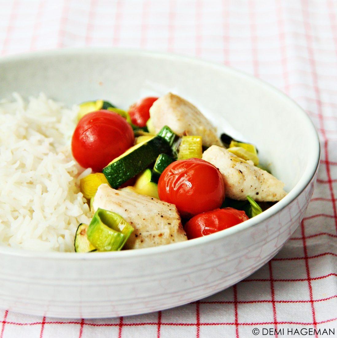 snel & simpel gewokte tilapia met prei en courgette