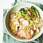 Snel & Simpel: quinoabowl met pittige tonijn en gegrilde Romeinse sla