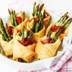Bladerdeeghapjes met groene asperges (Snel & Simpel)