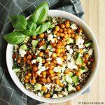 Quinoasalade met kikkererwten en feta