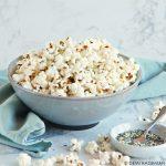 Furikake popcorn - popcorn met Japanse umamitopping