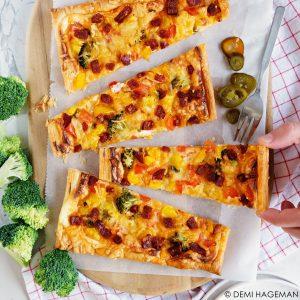 plaattaart met chorizo en broccoli